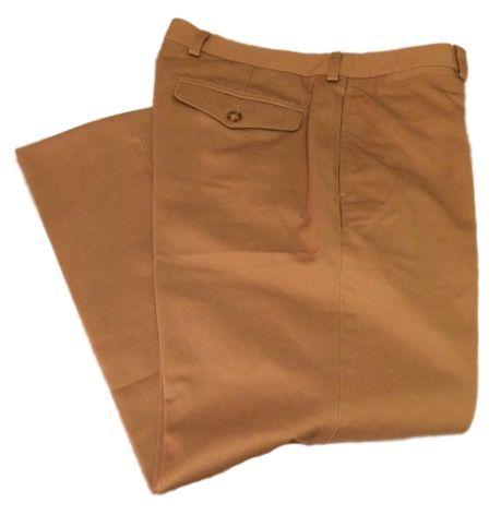 This image has an empty alt attribute; its file name is Chino-Pants.jpg